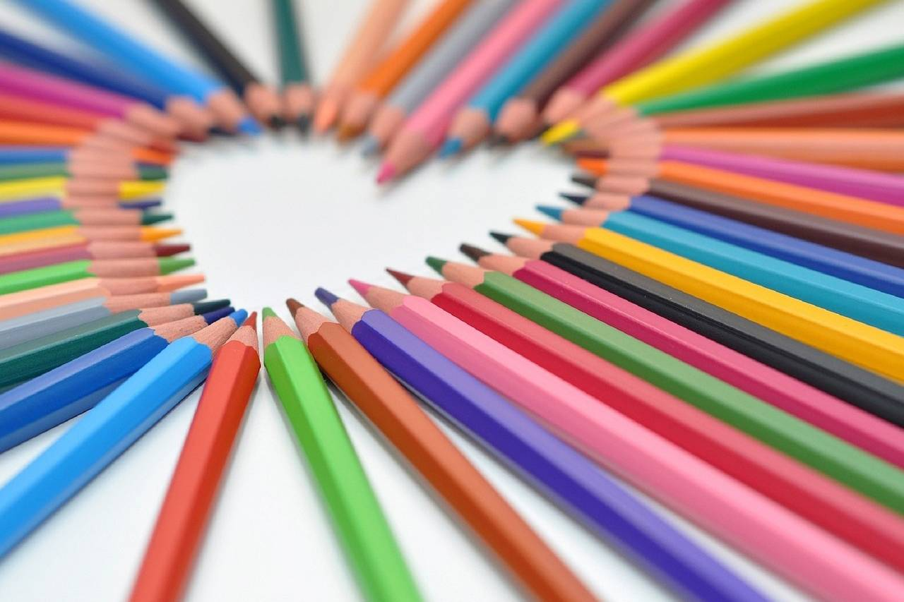 Heart-Shaped-Colored-Pencils-1280x853